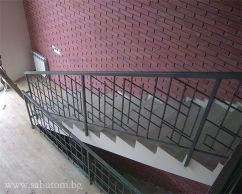 Parapet for stairs with geometric design of hollow profiles